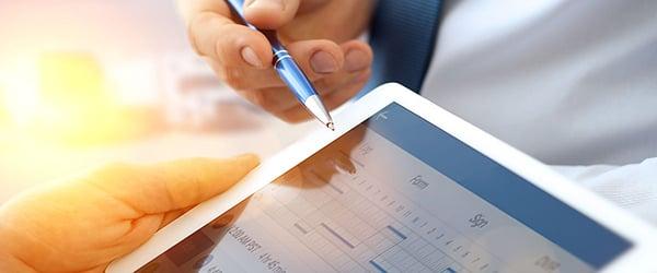 遵守数据隐私法规,以提高消费者安全性。
