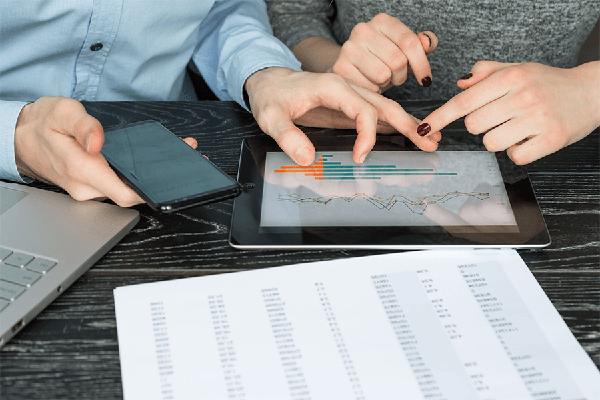 Von kunden- zu lösungsorientierten Angeboten - Stammdatenmanagement für Versicherungsbranche